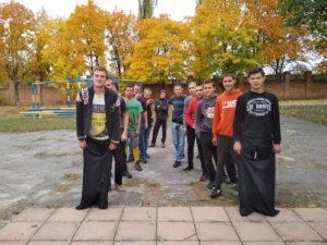 В Макіївському ПУСР ім. А.С.Макаренка відбувся масовий патріотичний захід «Козацькі забави»